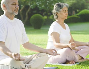 یوگا و سالمندان تمرین های انعطاف پذیری