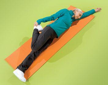 تمرین انعطاف پذیری ران درازکش تمرین های انعطاف پذیری